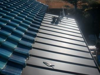 岸和田のガルバリューム鋼板屋根完了