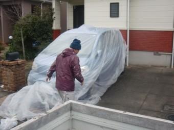 岸和田市包近町の高圧洗浄で車をシート養生