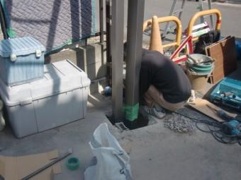 岸和田市神須屋町のカーポートの柱設置