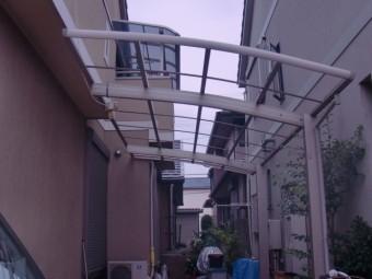 岸和田市西之内町のガレージの屋根パネル仮撤去