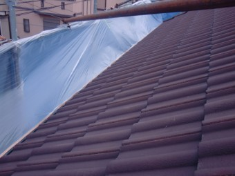 岸和田市西ノ内町の屋根を養生