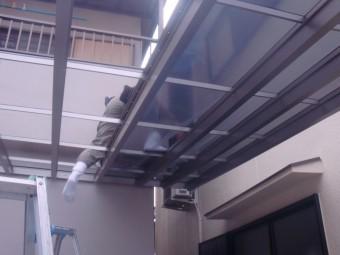 岸和田市神須屋町のカーポートの屋根パネル設置