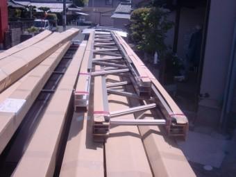 岸和田市神須屋町のカーポートのトラス梁