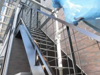 岸和田市の外部階段塗装完了