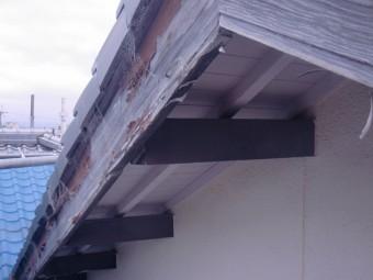 岸和田市土生町の屋根の破風板現況