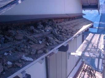 岸和田市土生町の庇の瓦撤去