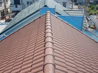 岸和田市西之内町の高圧洗浄後のセメント瓦屋根
