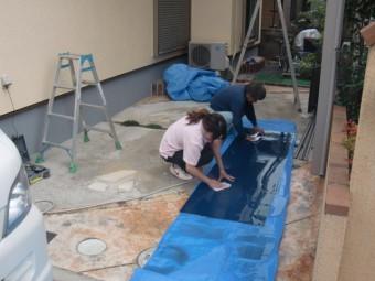 岸和田市西之内町のカーポートの屋根パネル洗浄