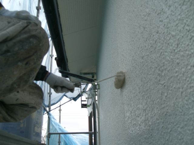 貝塚市の外壁の中塗り