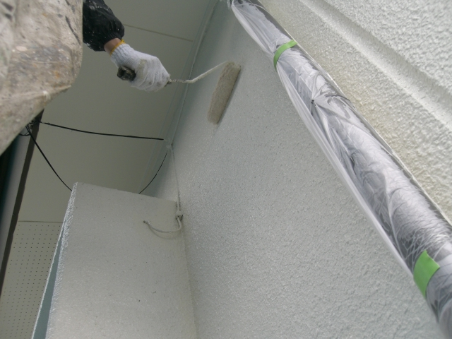 岸和田市天神山町の外壁塗装上塗り