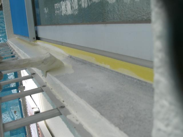 岸和田市天神山町の窓枠塗装