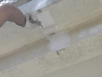 岸和田市春木本町で外壁クラックにパター付け塗装