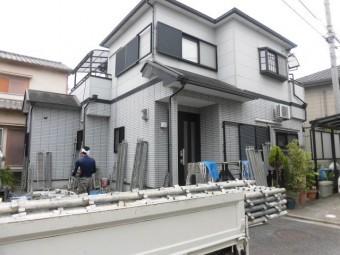 岸和田市三田町の塗装リフォームの足場設置