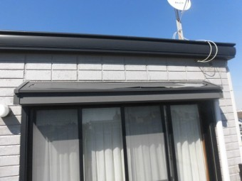 高石市の庇の塗膜劣化