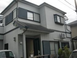岸和田市三田町の塗装前の外観