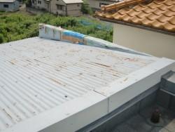 泉佐野市の台風で剥がれた笠木