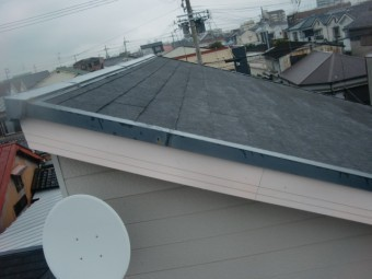 岸和田市の増築部の屋根はスレート瓦です