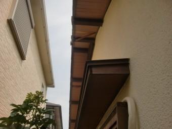 泉南市男里の劣化が激しい軒天井修理工事