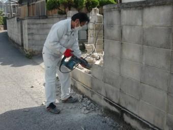 岸和田市土生町の屋根葺き替えに伴う塀撤去