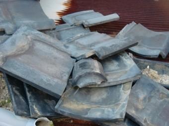 泉大津市の崩れた屋根