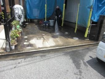 岸和田市三田町の駐車スペース洗浄