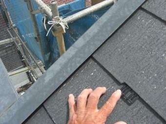 貝塚市半田の屋根にタスペーサー挿入