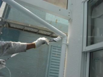 貝塚市半田の雨樋塗装