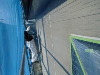 岸和田市西之内町の外壁下塗り