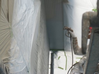 岸和田市西之内町の外壁中塗り