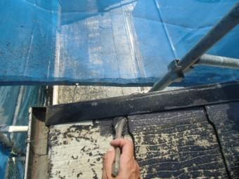 岸和田市摩湯町で取り合いなどは刷毛で塗装