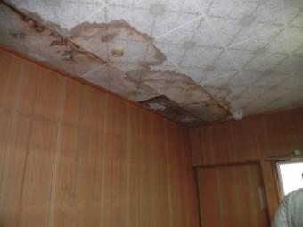 大阪市東住吉区の二階のお部屋の雨漏り