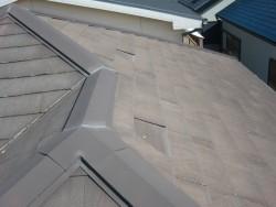 熊取町の剥がれたカラーベスト屋根