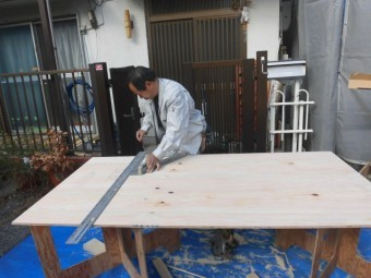 岸和田市土生町の物干し場設置工事