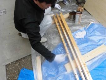 岸和田市の木材に防腐剤塗布