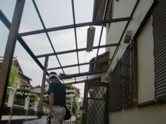 岸和田市西之内町の既存波板撤去と波板張り