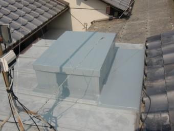 岸和田市内畑町のお風呂場の屋根かさ上げで板金を張りました