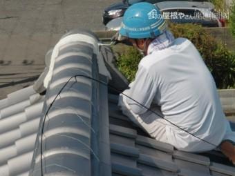 岸和田市の鬼瓦の取り合いの漆喰詰め直し