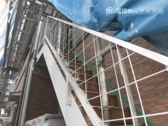岸和田市の外部階段にも錆止め塗布