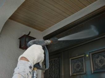 泉北郡忠岡町の玄関ドア洗浄