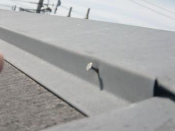貝塚市半田の屋根の棟板金の釘
