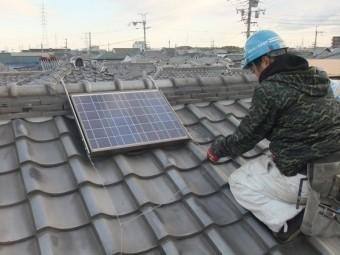 泉佐野市葵町の太陽光パネルの仮撤去
