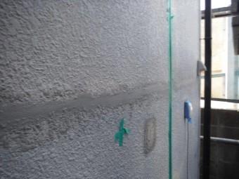 和歌山市善明寺のクラックに樹脂モルタル充填