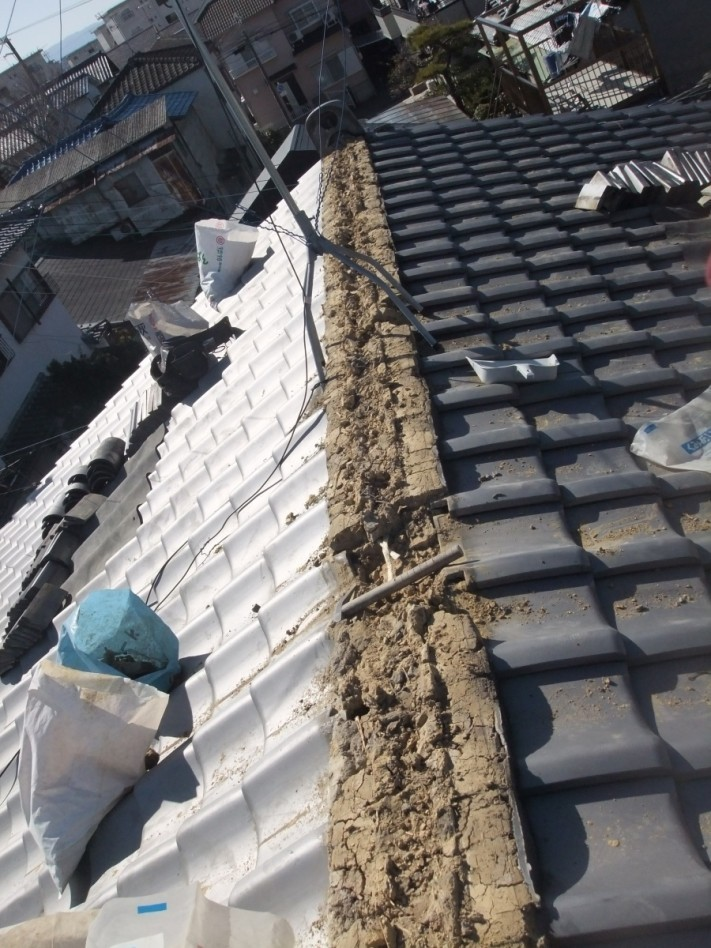 岸和田市の棟瓦積み直し