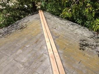 和泉市の屋根に新しい貫板を設置
