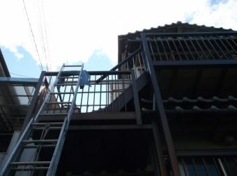 高石市千代田の二階のベランダの波板張替え