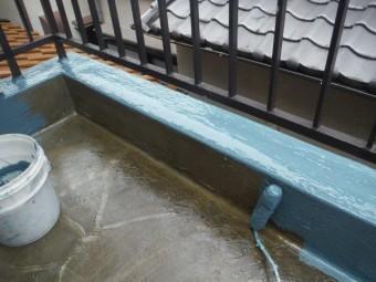 岸和田市土生町のベランダ立ち上がりにウレタン塗膜防水塗布