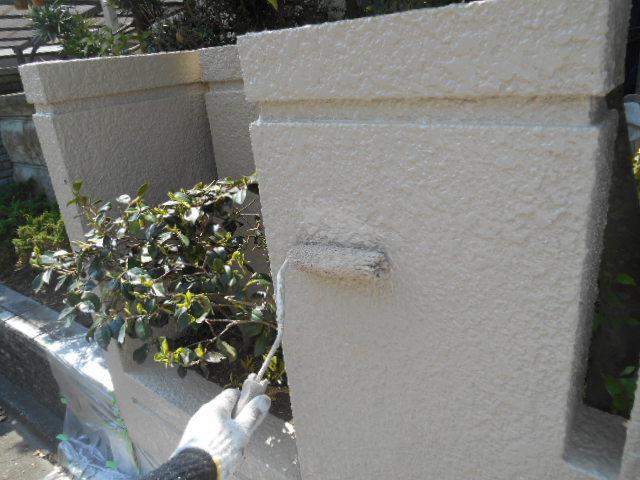岸和田市天神山町の塀を上塗り塗装