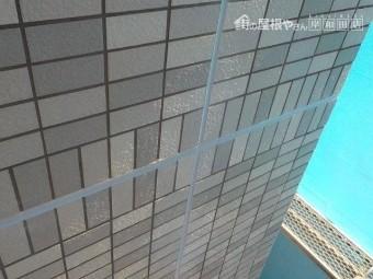 岸和田市のタイル壁の目地シーリング打ち替え完了