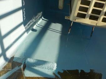 忠岡町のウレタン樹脂塗布状況