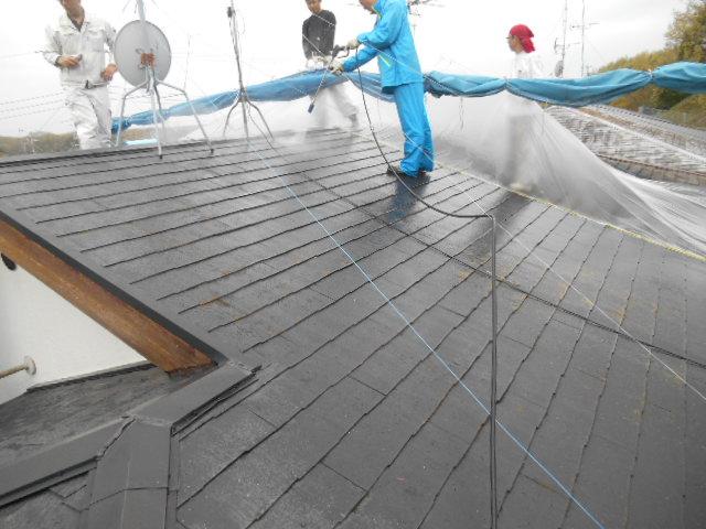 岸和田市天神山町の屋根塗装で高圧洗浄